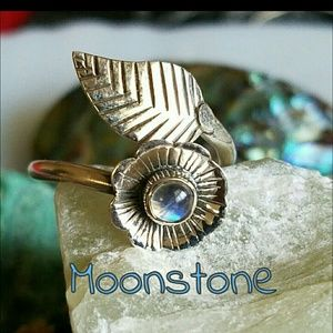 Moonstone Ring Sterling Silver NEW